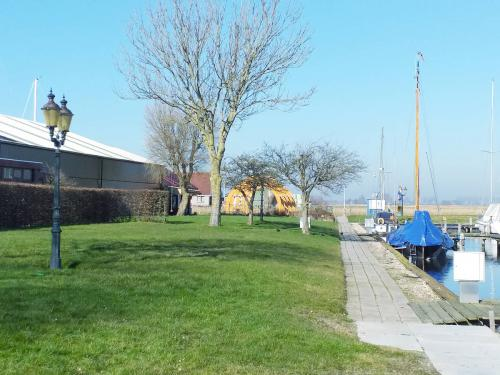 watersportcentrum-de-stormvogel-warns-restaurant-greate-pier-01